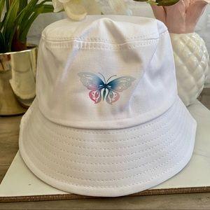 NEW 🦋 Bucket Hat